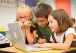 Kids-excited-on-laptop-Featured